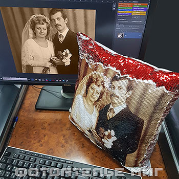 Подушки c пайетками и фото