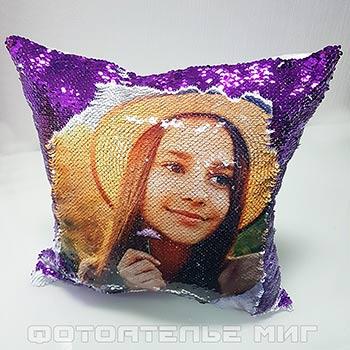 Фото на подушках c пайетками